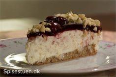 Ris a la mande kage Danish Cake, Danish Food, Xmas Food, Christmas Baking, Christmas Foods, Diy Dessert, Snacks, Cake Cookies, How To Make Cake