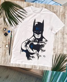 Batman Tee Shirts Archives - Batman Shirt - The coolest Batman Shirt ever - Batman tshirt packaging Batman Tee Trending and fashionable Batman Tee Recycled postal box and fancy silk paper Shirt Print Design, Shirt Designs, T Shirt Print, New T Shirt Design, Clothing Packaging, T Shirt Packaging, Batman Gifts, Batman Shirt, Look Fashion