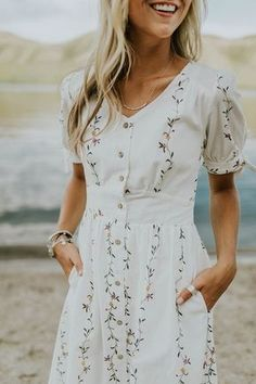 Modest summer dresses - best modest summer outfits Page 17 of 100 – Modest summer dresses Modest Summer Outfits, Casual Outfits, Dress Casual, Dress Summer, Summer Wear, Summer Clothes, Simple Summer Dresses, Girly Outfits, Summer Shoes