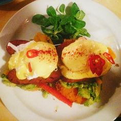 Huevos Rancheros meets Eggs Benedict  #brunch #london #avocado #poachedeggs #chorizo #todayisgoingtobeagoodday by justine_dawson