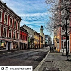 Grønland i Oslo.  #reiseliv #reisetips #reiseblogger #reiseråd  #Repost @lena.andreassen.9 with @repostapp  Streets of Oslo (Grønland) #oslo#oslobilder#pocket_norway#pocket_streetlife#eastnorway2day#igbest_shotz#ig_great_pics_architecture#mittosloøst#exeptional_pictures#old#houses#oldhouse#color#ig_great_pics#ig_color#mittoslo#aktivioslo#osloøst