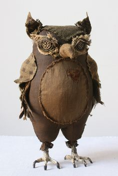 She makes amazing stuffed animals from vintage clothing. Museum-quality pieces. Also the occasional tutorial.