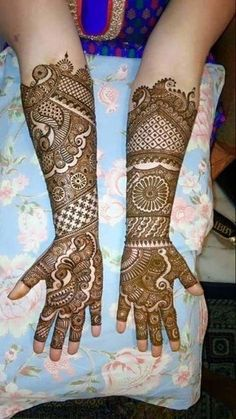 Check out this story - story created by Niti Srivastava and top similar posts, trendy products and pictures by celebrities and other users on Roposo. Latest Bridal Mehndi Designs, Indian Mehndi Designs, Full Hand Mehndi Designs, Mehndi Designs 2018, Modern Mehndi Designs, Mehndi Design Pictures, Wedding Mehndi Designs, Mehndi Images, Henna Tatoos