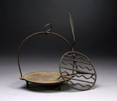 Cowan's Auctions: Wrought Iron Griddle and Gridiron