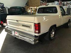 1987 Dodge LE Short Box, New Paint, Professionally lowered, - Classic Dodge Ram 1500 1987 for sale Dodge Ram 2500 Cummins, Dodge Ram 1500, Dodge Pickup Trucks, New Trucks, Dodge 300, Charger Srt8, Shop Truck, Dodge Power Wagon, Dodge Dart