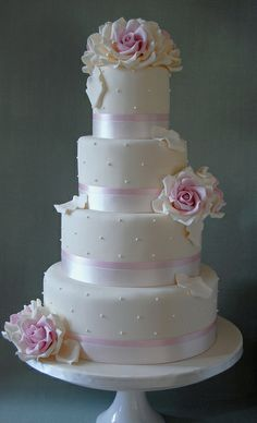 Soft Pinks by Sweet Tiers Cakes (Hester), via Flickr wedding cake