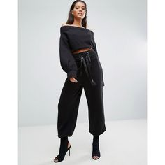 Missguided Londunn Wide Leg Jogger (2,470 INR) ❤ liked on Polyvore featuring activewear, activewear pants, black, wide leg sweatpants, jogger sweatpants, tall activewear, cropped sweat pants and tall sweat pants