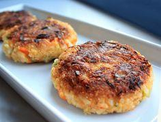 Lunsjkaker (kokt ris + grønnsaker + havregryn) #vegan #vegetarian #rice #burger #kjoettkake #oats