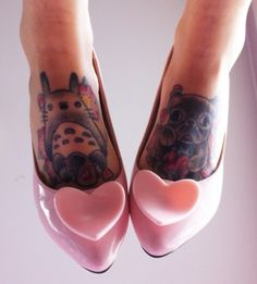 Such a cute photo.  One of my fav Vivienne Westwood shoe designs! <3