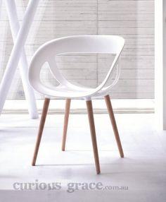 Moe Tub Chair