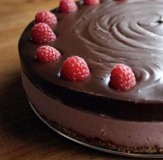 Raw vegan Cheesecake (no grains, no dairy, no soy, natural sweetness, with Chocolate Ganache - Brazen Kitchen - February 2013
