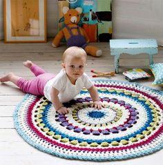 Få hækleopskriften her. Crochet Carpet, Crochet Home, Knit Crochet, Yarn Thread, Crochet Projects, Crochet Ideas, New Moms, Alter, Baby Kids