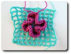 Made in K-town: Wiggly Crochet Tutorial - Part 1 Freeform Crochet, Filet Crochet, Crochet Motif, Crochet Stitches, Crochet Pillow, Oum Amani, Wiggly Crochet, Potholder Patterns, Crochet Gratis
