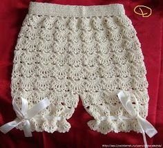 Croche pro Drink: Little dresses found the net, pure inspiration . Crochet Baby Pants, Crochet Baby Dress Pattern, Baby Girl Crochet, Crochet For Kids, Crochet Clothes, Knit Crochet, Crochet Patterns, Diy Dress, Little Dresses