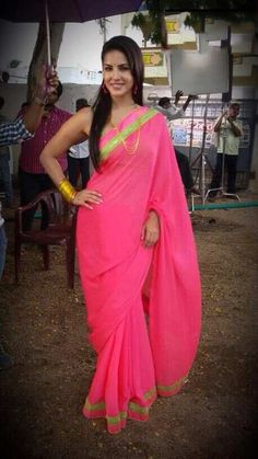 Sunny Leone Pink Georgette Saree @ Looksgud.in    #Pink, #Saree, #SunnyLeone, #Bollywood, #Replica, #Celebrity