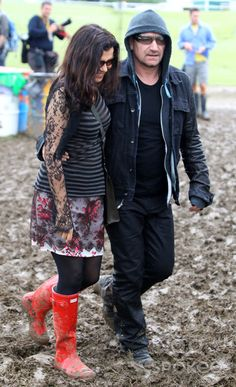 Bono and his wife Ali Hewson at The 2011 Glastonbury Music Festival Ali Hewson, Great Bands, Cool Bands, Glastonbury Music Festival, Irish Rock, Bono U2, For You Song, Rock Groups, Good Music
