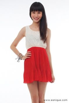 Textured Pleated Dress Red - Esnique
