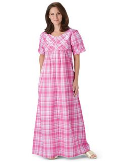 Plus Size Long seersucker snap-front lounger Big And Tall Outfits, Plus Size Outfits, Casual Outfits, Cotton Nighties, Cotton Gowns, Dress Neck Designs, Neckline Designs, Blouse Designs, Night Gown Dress