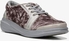 Choose from designer tennis shoes for women to fashion sneaker wedges if that suits you best; either way, you've come to the right place. All options lead to a certainty: here you'll find the perfect fit, those fashion sneakers shoes you've been searching for and wanted so much. They'll make you happy, since the main reason you came here was because you value a good comfy shoe but also a fashionable one right? These will match perfectly with your outfits for the season, so enjoy! Wedge Sneakers, Casual Sneakers, Sneakers Fashion, Shoes Sneakers, Sneaker Wedges, Sock Shoes, Shoes Heels Boots, Shoe Gallery, Comfy Shoes