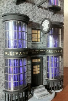 My model of Ollivanders from Harry Potter Everything is made only of PAPER and painted by hand Based only on photos and videos. If you are interested to buy some house, just NOTE me your idea so we. Décoration Harry Potter, Harry Potter Dolls, Harry Potter Halloween, Diy Dollhouse, Dollhouse Miniatures, Hogwarts, Harry Potter Christmas Decorations, Harry Potter Miniatures, Diagon Alley