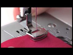 A 2 minute and 31 sewing tutorial video demonstrating how to use a Singer Sewing Machine Gathering Foot for your next sewing project. The Singer Sewing Machi. Sewing Tools, Sewing Hacks, Sewing Tutorials, Sewing Crafts, Sewing Projects, Sewing Patterns, Techniques Couture, Sewing Techniques, Sewing Machines Best