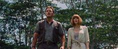 Découvrez une scène coupée de Jurassic World, sorti cette semaine en DVD et Blu-ray, avec Chris Pratt et Bryce Dallas Howard couverts d'excrément de dinosaures.
