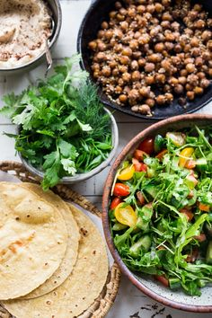Middle Eastern Salad Tacos with spiced chickpeas, hummus and a mound of lemony salad, topped with fresh herbs and scallions. Healthy Eating Recipes, Clean Eating Recipes, Whole Food Recipes, Healthy Snacks, Vegetarian Recipes, Free Recipes, Easy Recipes, Middle Eastern Salads, Eating Plans