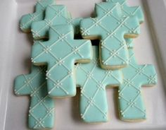 So pretty! I want to make these in short bread. Love this Indulgy site