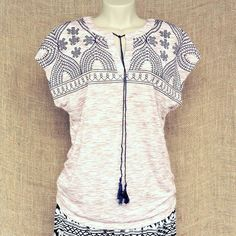 Blusas e batas bordadas com precinhos que também são lindos!  Saiba mais pelo nosso whatsapp: 13982166299  #modaetnica #primaveraverao