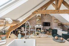 Cet appartement sous les toits à la fois bohème et design respire le charme parisien - PLANETE DECO a homes world Deco Boheme Chic, Design Apartment, Loft Design, Bath Caddy, Living Room, Bathroom, Architecture, Outdoor Decor, Ainsi