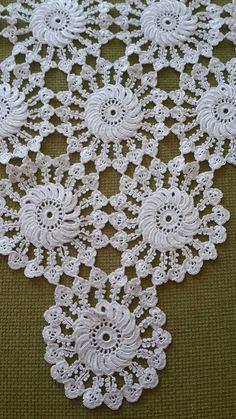 Not Your Grandma's Doily – Spectacular Suede Crochet Doily – Free Pattern Crochet Granny, Irish Crochet, Crochet Motif, Crochet Designs, Crochet Doilies, Crochet Flowers, Crochet Lace, Crochet Stitches, Crochet Patterns