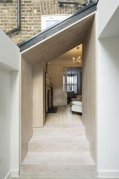 This scheme consists of a contemporary oak lined side-return extension to a Victorian terraced house. House Extension Design, Glass Extension, House Design, Extension Ideas, Design Design, Design Ideas, Victorian Terrace House, Victorian Homes, Victorian London