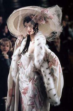 Коллекция Джона Гальяно для Christian Dior, Весна-Лето 1998