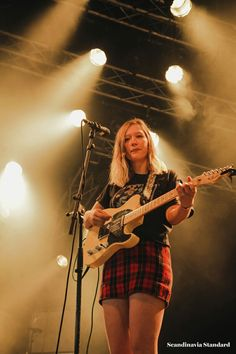 What Just Happened: Roskilde Festival 2017 Julia Jacklin, Women In Music, Female Guitarist, Music Is Life, Girls, Beautiful People, Give It To Me, Festival 2017, Punk