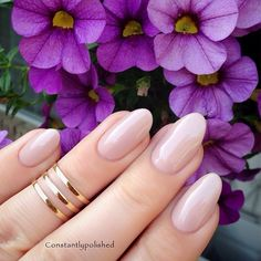 Love the oval shape! My nails are less prone to breakage when they are round or oval.