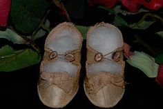 Antique French Doll Shoes - A Gilded Age of Elegance #dollshopsunited