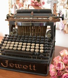 Items similar to Antique Jewett Typewriter - Very Vintage - Magnificently Old Rusty and Rare on Etsy Retro Typewriter, Antique Typewriter, Vintage Love, Retro Vintage, Vintage Items, Vintage Style, Objets Antiques, Underwood Typewriter, Vintage Phones