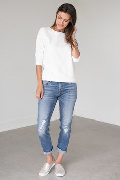 Kick it up with these new slightly crinkled boyfriend jeans from Tom Tailor! These jeans are comfortable and feature a 4 button-up closure detail. These jeans can be cuffed or uncuffed to pull off two different looks or depending on the shoes you're wearing! Silver Icing, Stylish Clothes For Women, Online Collections, Fashion Company, Distressed Denim, Boyfriend Jeans, Blue Denim, Fashion Online, Kicks