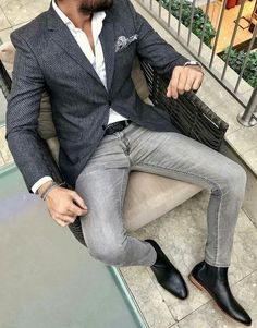 Look At These Men's Jackets. Discover some great mens fashion. With so much style for men to choose from these days, it can be a time consuming experience. Business Casual Men, Men Casual, Casual Wear, Mens Smart Casual Outfits, Smart Casual Menswear, Traje Casual, Mode Man, Moda Formal, Herren Outfit