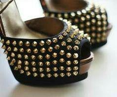 Spike shoes