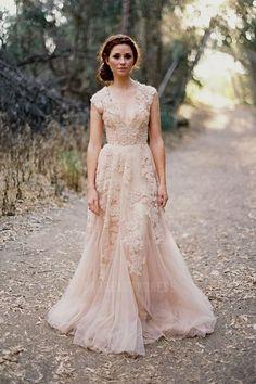 A-Line/Princess V-neck Court Train Tulle Wedding Dress