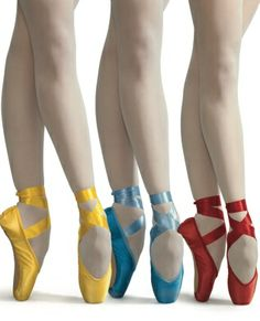coloured pointe shoes