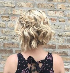 Bob with double dutch braid short hair braids идеи для волос Short Braids, Braids For Short Hair, Cute Hairstyles For Short Hair, Trending Hairstyles, Quick Hairstyles, Down Hairstyles, Braided Hairstyles, Curly Hair Styles, Side Braids