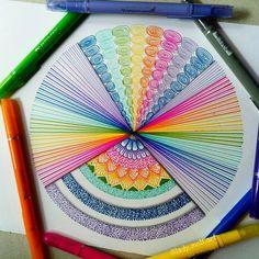 No photo description available. Kitten Drawing, Doodle Art Drawing, Zentangle Drawings, Mandala Drawing, Art Drawings Sketches, Zentangles, Dibujos Zentangle Art, Drawing Sunset, Mandala Art Lesson