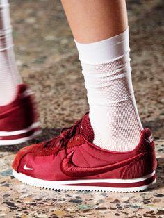 Die Nike Cortez Sneaker sind 2016 wieder total angesagt. 4 weitere Modelle, die du dieses Jahr im Schrank haben solltest!