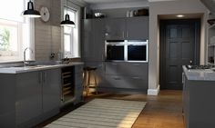 Enjoy our summer kitchen sale with half price + an extra OFF. View our range of stunning fitted kitchens at Wren Kitchens, the UK's kitchen retail specialist - make your dream a reality today. Black Gloss Kitchen, Dark Grey Kitchen Cabinets, Kitchen Cabinet Colors, Kitchen Grey, Outdoor Kitchen Sink, Narrow Kitchen Island, Kitchen Images, Kitchen Ideas, Kitchen Designs