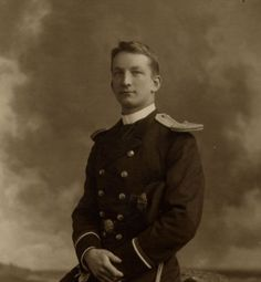 Reginald Lee. Lee was in the crows nest with Frederick Fleet when the iceberg was sighted at about 11.40 p.m. on 14 April 1912. He was rescued in lifeboat 13.