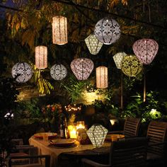 Backyard Solar Lights, Solar Powered Garden Lights, Solar Powered Lanterns, Solar Lanterns, Backyard Lighting, Outdoor Lighting, Lighting Ideas, Garden Lighting Lanterns, Outdoor Light Bulbs