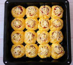 ANDI GLUTÉNMENTES KONYHÁJA: TÖRÖK PIZZA POGÁCSA Pizza, Cauliflower, Muffin, Vegetables, Breakfast, Blog, Morning Coffee, Cauliflowers, Muffins