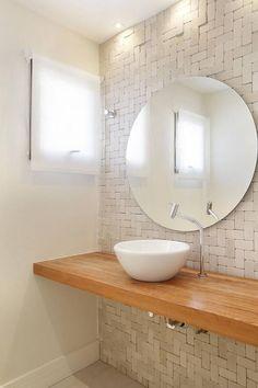 Uma peça que valoriza e amplia o ambiente, o espelho para banheiro pode aparecer em diferentes modelos. Confira o post e escolha o que mais te agrada!